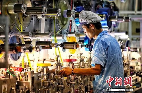 """31个省份亮经济""""成绩单""""广东江苏GDP领跑全国"""